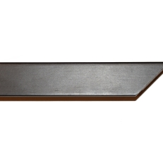 Thin, square wood frame with matte finish. 21mm